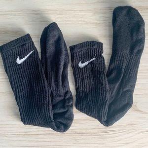 Nike Athletic Basic Crew Socks *Used / Worn*
